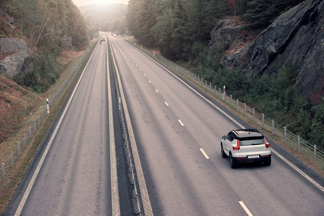 Volvo na autostradzie